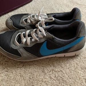 Size 10 Nike Shoes